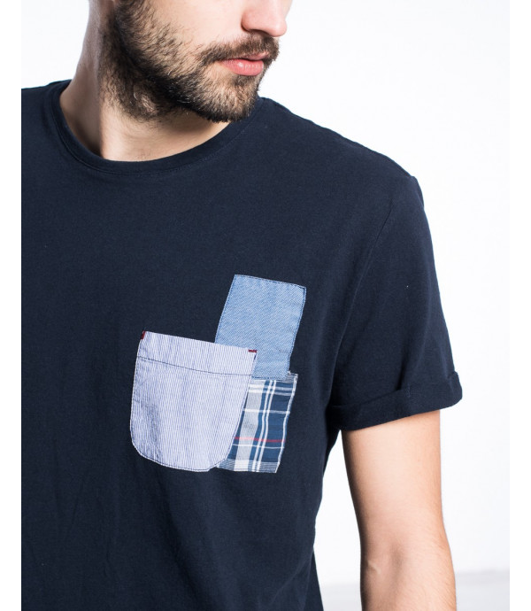 T-shirt con patchwork