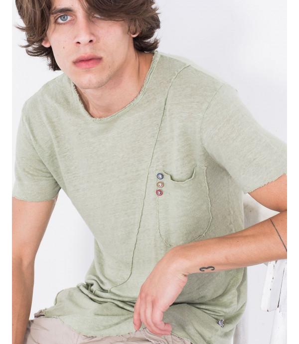 T-shirt con taglio obliquo e taschino