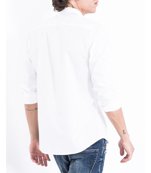 Camicia con bottoni coperti colletto slim