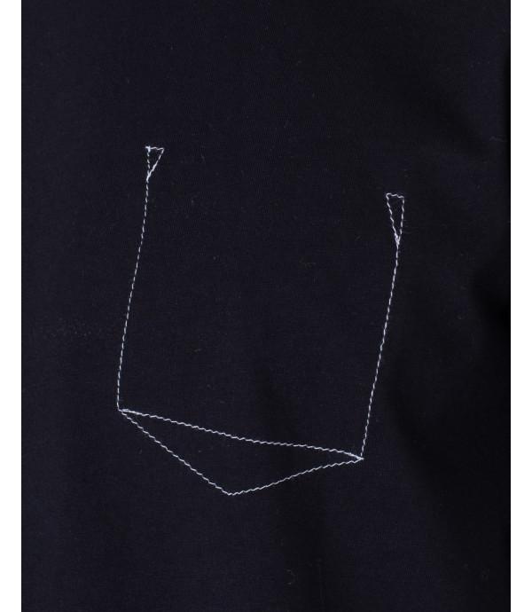 T-shirt con taschino ricamato