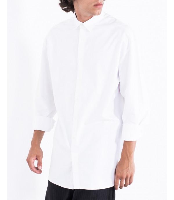 Camicia minimal con bottoni nascosti