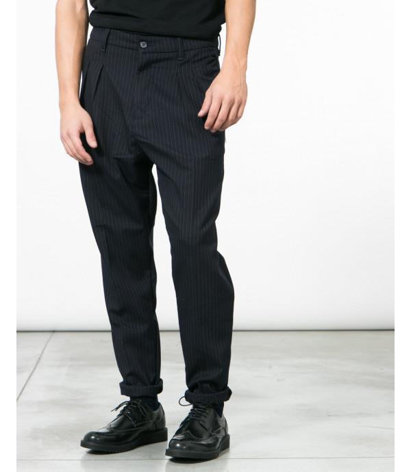 Pantaloni gessati con pinces