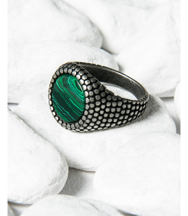 More about Round spiked ring with stone