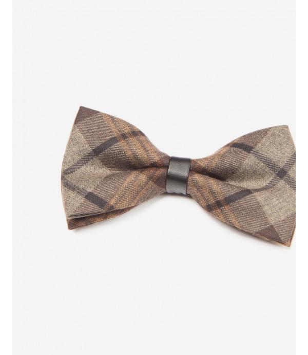 Velvet bow-tie