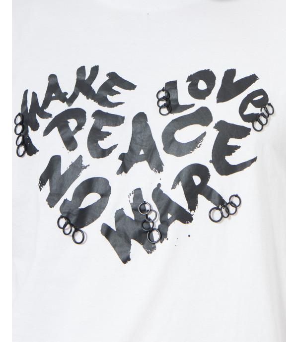 T-shirt con stampa e anelli