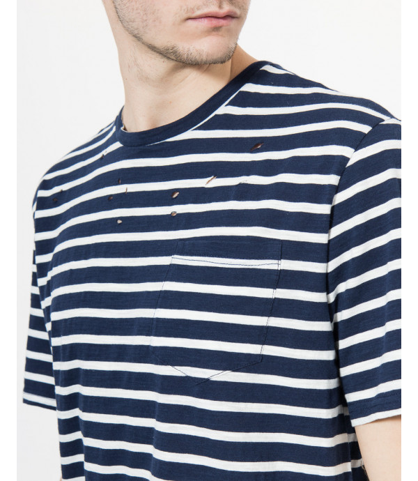 T-shirt con rotture a righe