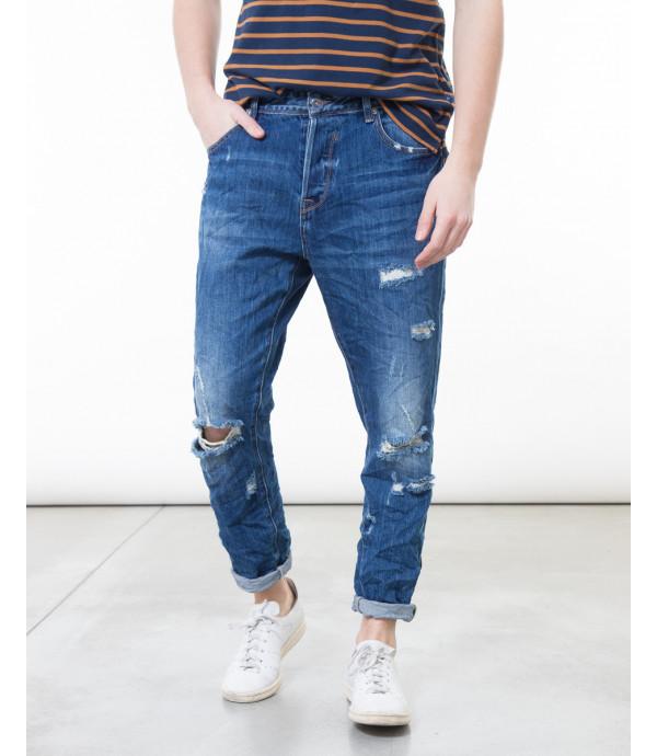 Jeans lavaggio scuro con cavallo basso