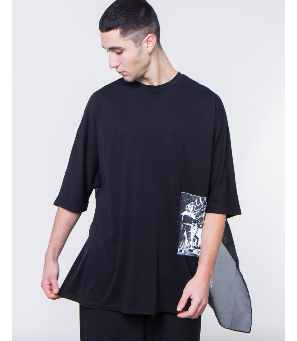 T-shirt con mantello oversize