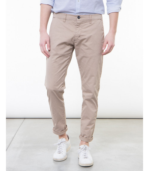 Chinos basico slim fit