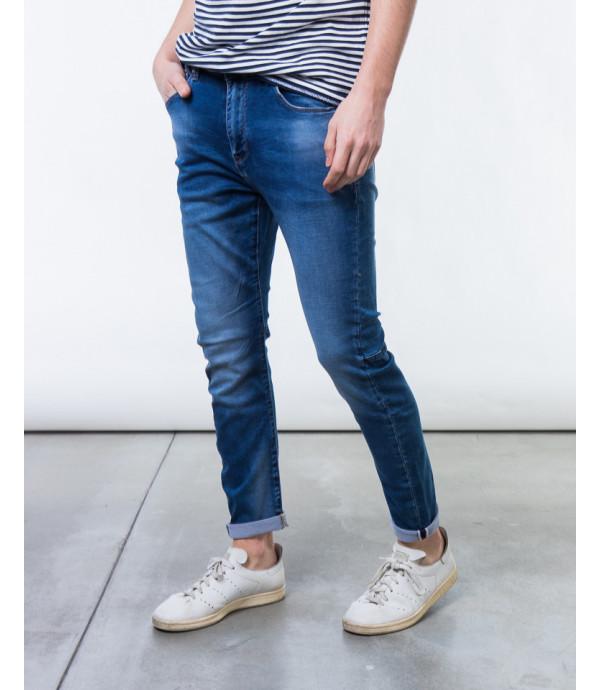 Jeans slim fit lavaggio medio