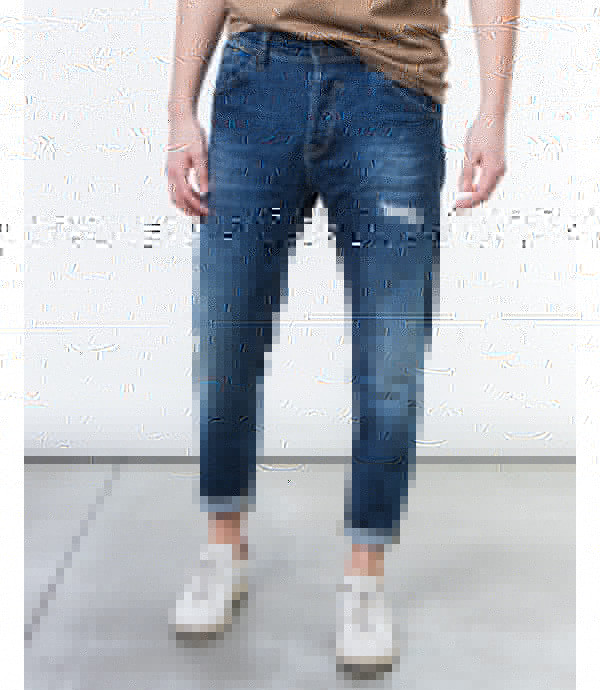 Jeans regualr fit stone washed con strappi