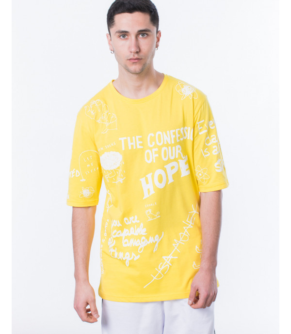 T-shirt graffiti in giallo
