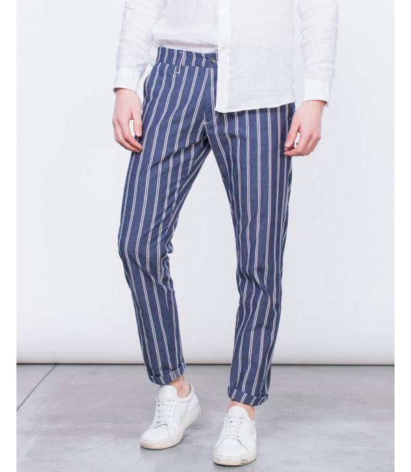 Pantaloni eleganti a righe