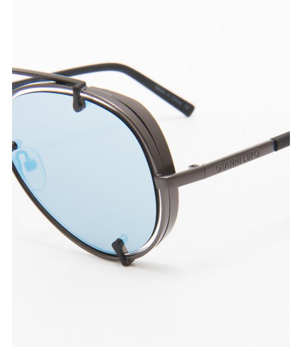 Aviator sunglasses with blue lens