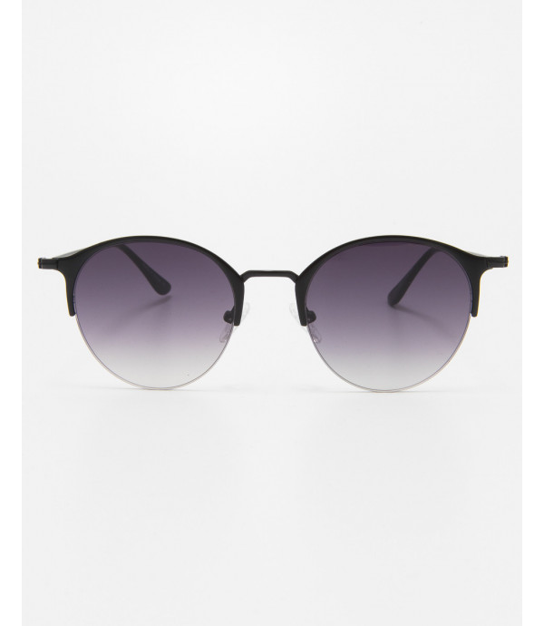 Oval sunglasses with gradiant lens