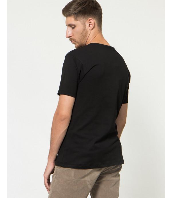 T-shirt con borchie