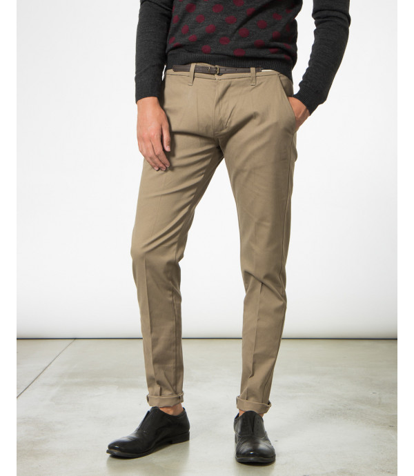 Chinos slim fit con cintura