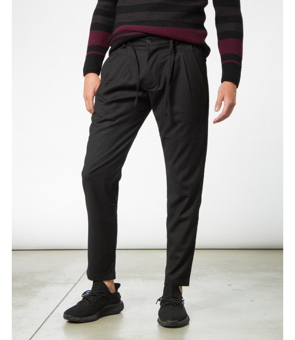 Pantaloni a pois con lacci e pinces