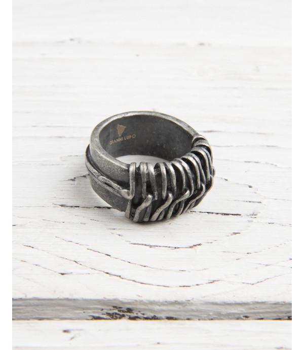 Anello in metallo