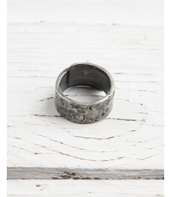 Metal band ring
