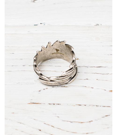 Metal feathers ring