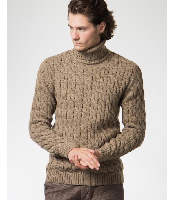 Dolcevita in maglia lavorata