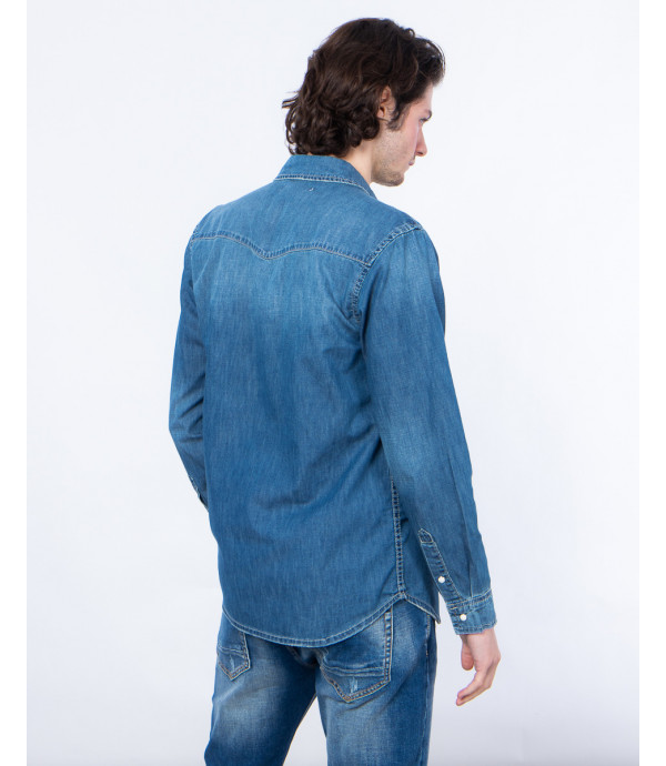 Camicia in denim chiaro con bottoni automatici