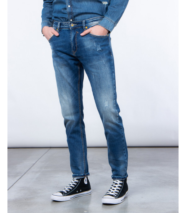 Regular fit jeans with scratches