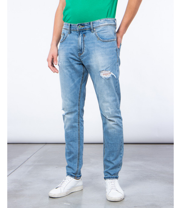 Jeans regular fit con strappi
