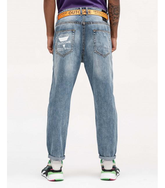 Jeans carrot fit con stampa e strappi