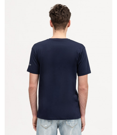 V-neck t-shirt with applications