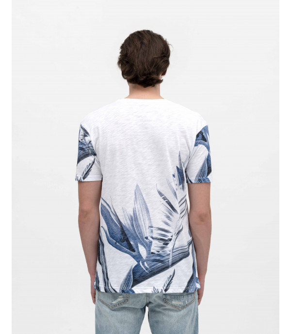 T-shirt with macro floral print