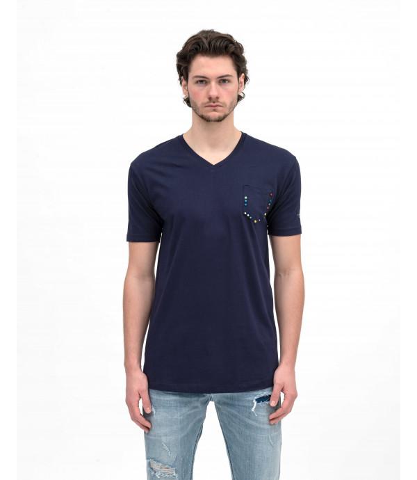 T-shirt con taschino e applicazioni colorate