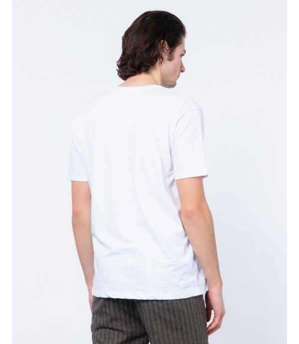 T-shirt con stampa e scollo a v