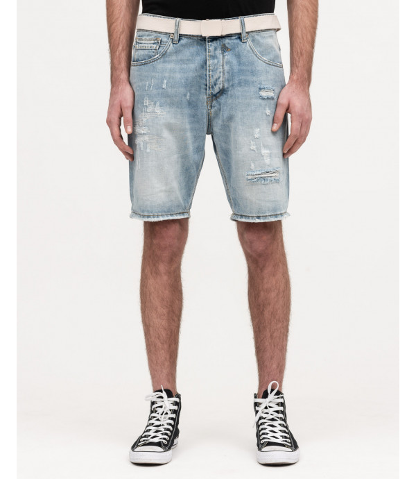 Denim shorts with rips and belt light wash