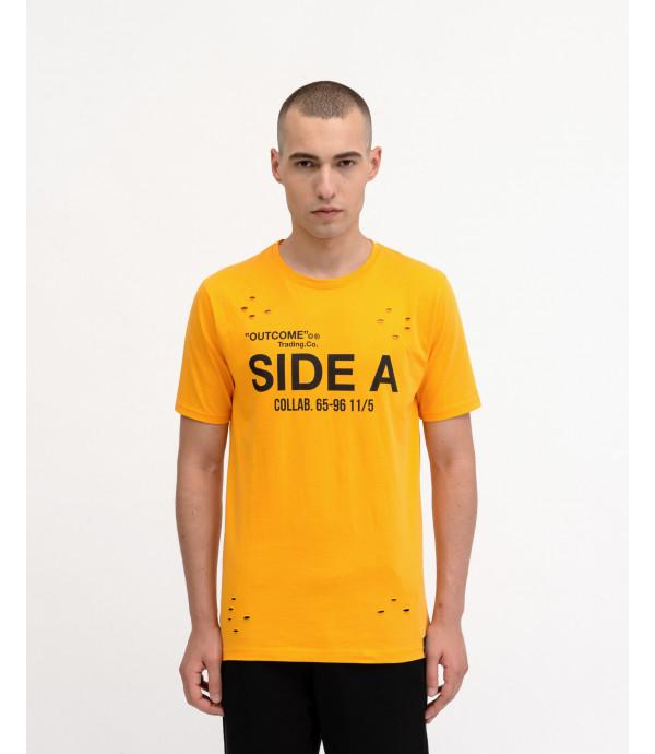T-shirt OUTCOME con stampa