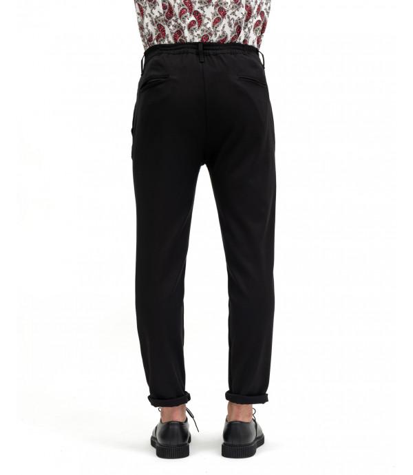 Pantaloni eleganti con pinces