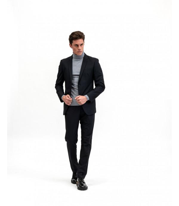 Solid colour black suit