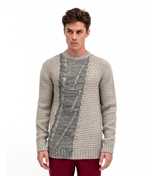 Sweater with contrasting block