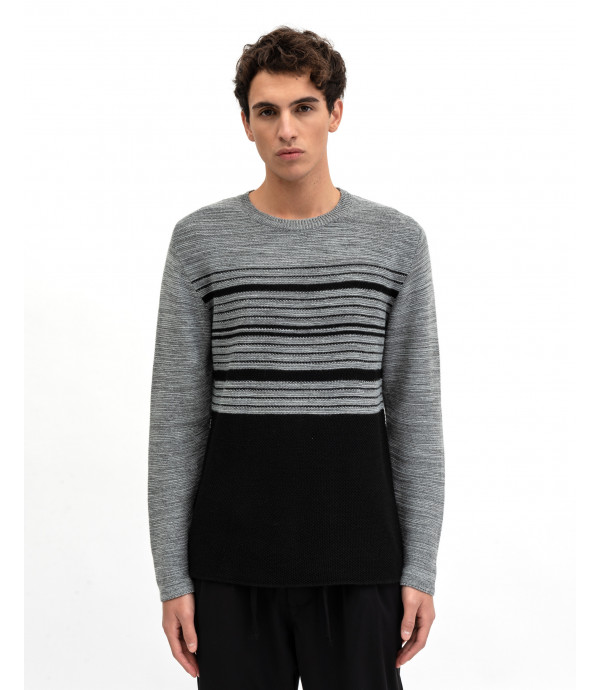 Patterned sweater in degrade