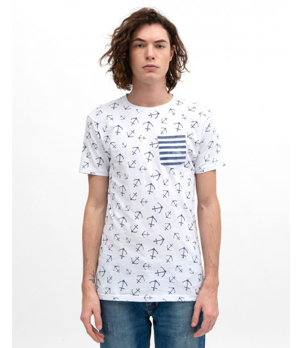 All-over print t-shirt with pocket