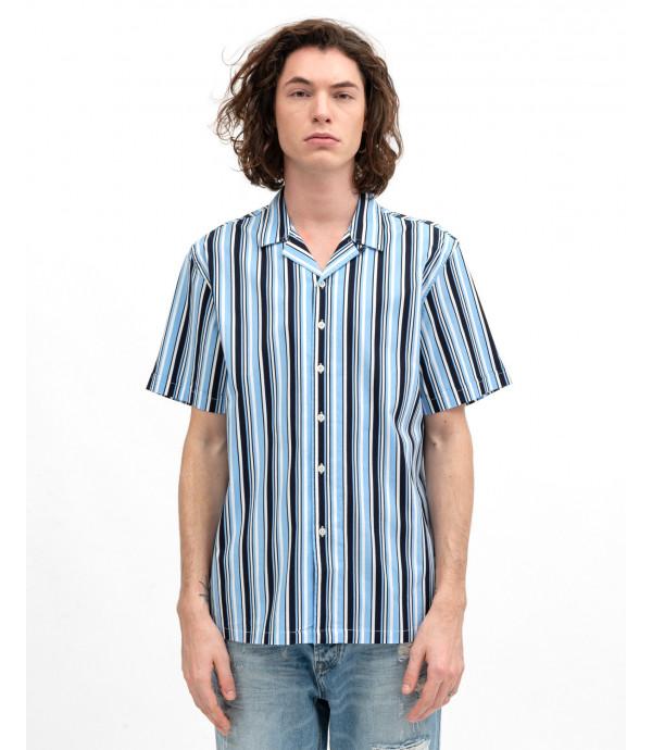 Short-sleeve striped shirt