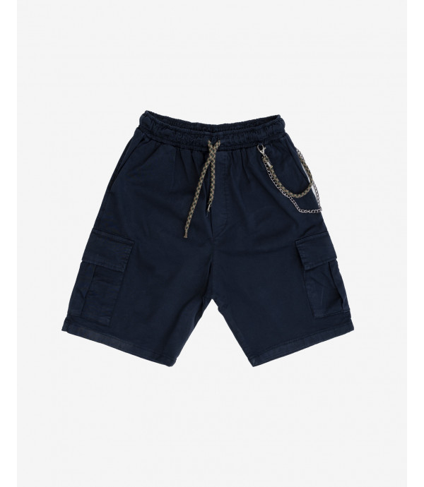 Shorts with drawstrings and chain