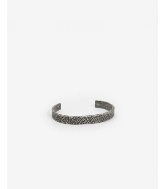 Adjustable metal bracelet