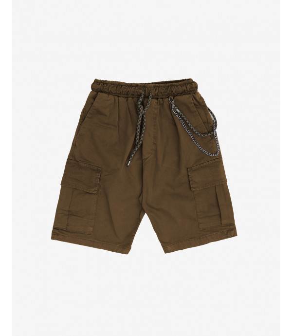 Cargo shorts with drawstrings and chain