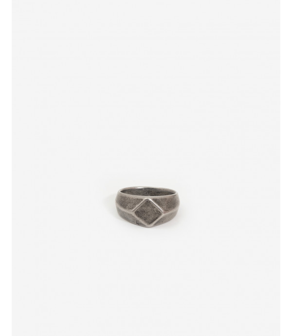 Diamond shaped metal ring