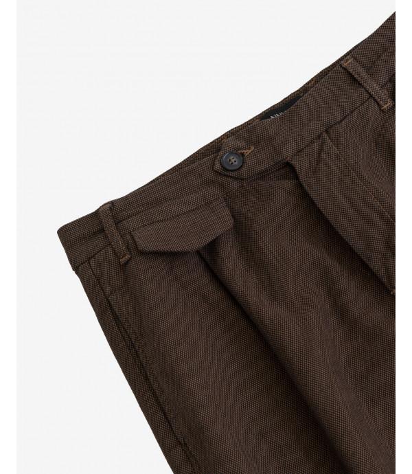 Pantaloni carrot fit eleganti texturizzati