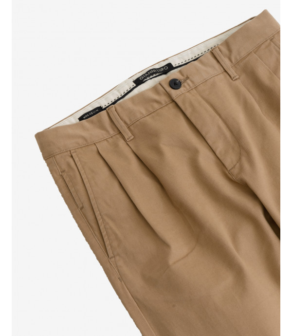Basic slim fit chinos with pleats