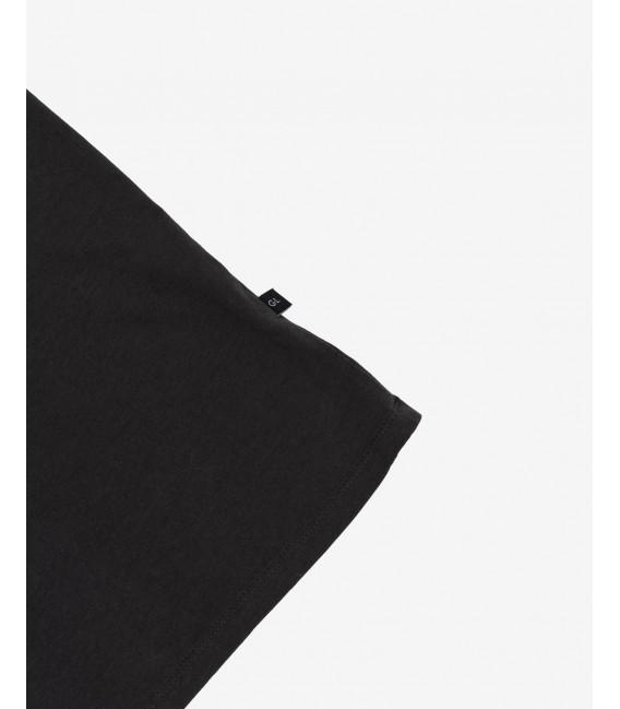 Basic T-shirt with raw edges