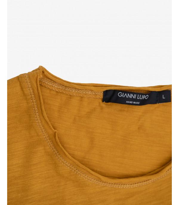 Basic slubbed T-shirt with raw edges